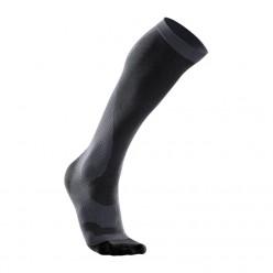 Компрессионные носки для бега 2XU